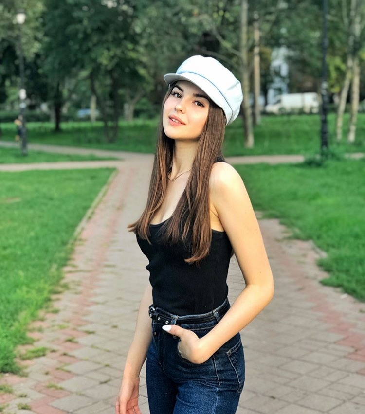 Bachelor Ukraine - Season 9 - Nikita Dobrynin - *Sleuthing Spoilers* - Page 4 OmJEfVc4v0I