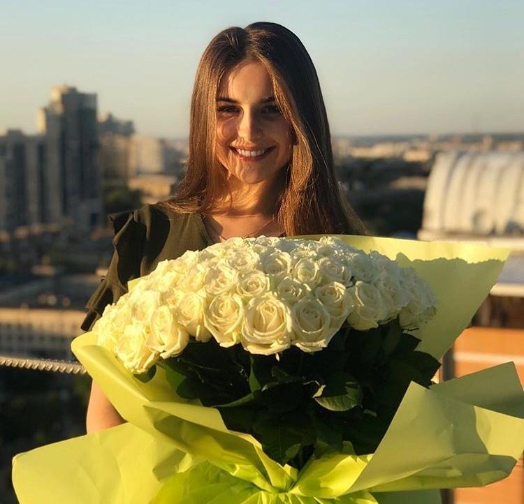 Bachelor Ukraine - Season 9 - Nikita Dobrynin - *Sleuthing Spoilers* - Page 4 Rkp4JxWHVQc