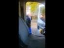 Мужчина с кулаками набросился на водителя скорой в Алматы