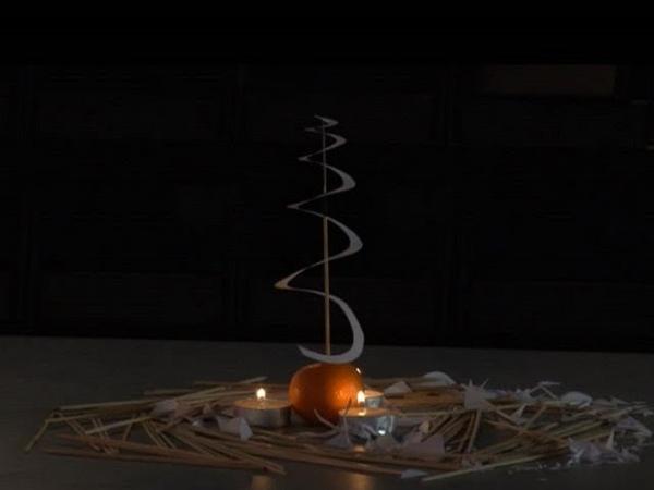 Эксперименты: вращающаяся новогодняя спираль