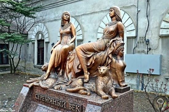 Ахматова и Цветаева  самые известные женщины русской поэзии