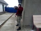 Жим гири 32 кг стоя у стены (23 повтора,для соревнований в группе Фанаты Силовых Упражнений).