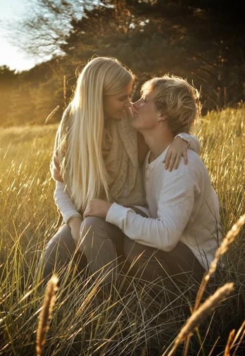 порно фото девушка целует парня русые волосы горячие ненасытные