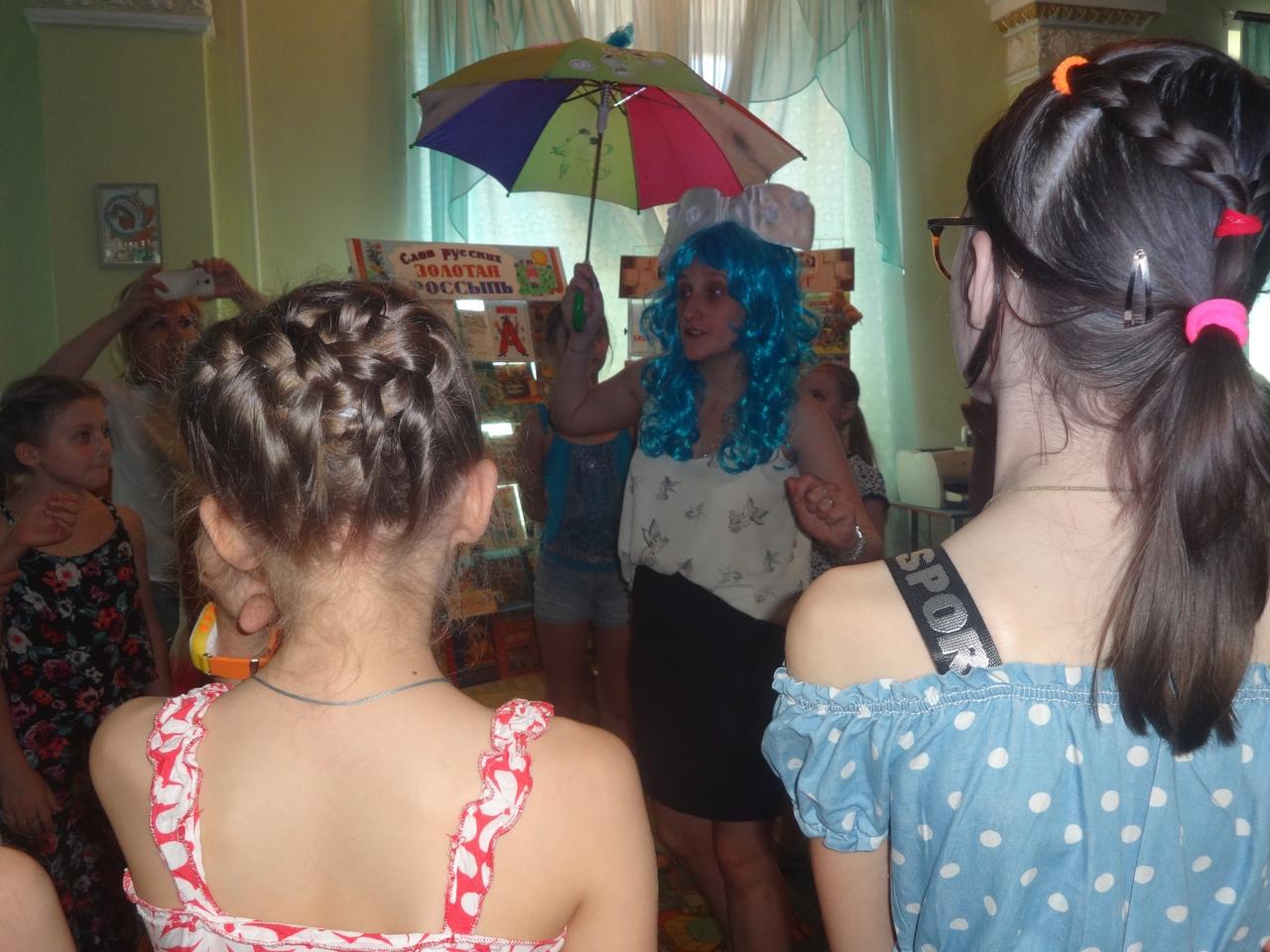 летняя пора, отдел обслуживания дошкольников и учащихся 1-4 классов, Донецкая републиканская библиотека для детей, лето в библиотеке, работа с пришкольными лагерями