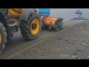 Щетка дорожная с гидравлическим поворотом и системой полива на экскаваторе погрузчике JCB