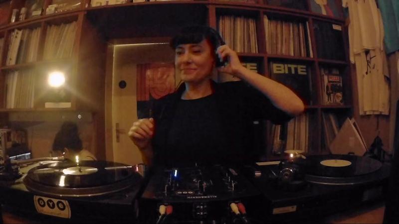 Sabine Hoffmann RTS.FM Berlin: Frauengedeck at OYE Records 13.11.18