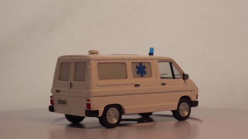 Trafic I Phase I Fourgon Т800 essenсе Ambulance 1981 г