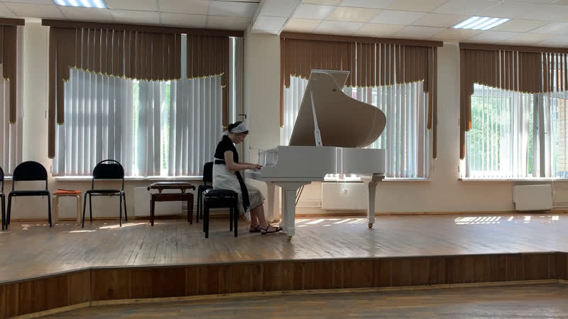 И.С.Бах-Д. Кабалевский «Маленькая органная прелюдия и фуга» d-moll. Исполняет Нина Балан