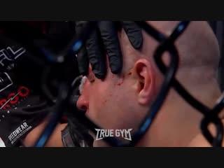 美国拳击手34秒种淘汰叶梅利年科