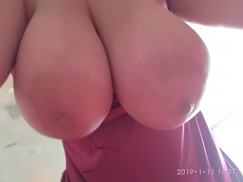 Youthful slut squirts and receive facial