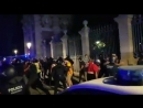 Mossos reinforcement came and dispersed all protesters from the gates of Catalan Parliament