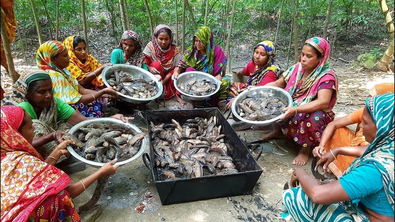 450 Climbing Perch Fish Cutting Cooking By 15 Women For Whole Village Peoples