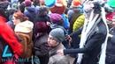 Сотни людей на Арбате на празднике ДеньСвятого Патрика