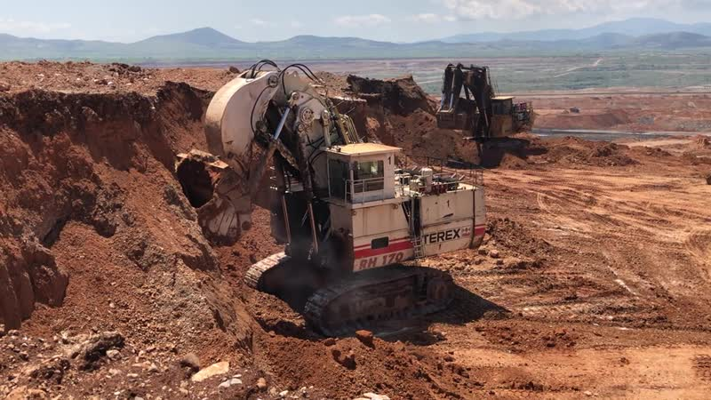 Terex RH170 Front Shovel Excavator And Cat 6040 Loading Hitachi EH3500 Dumpers