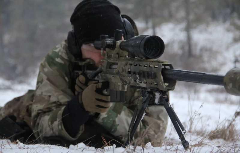 Россия перебросила на Донбасс снайперов-чеченцев, готова нападать