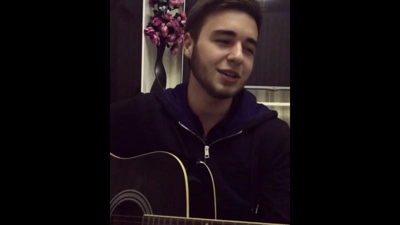 Хорошо поёт 👍👍👍