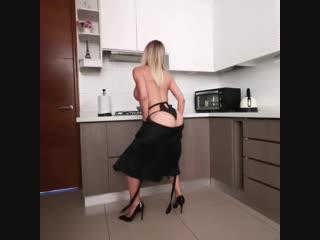 Хочу её на завтрак обед и ужин (порно, секс, эротика, попка, booty, anal, анал, сиськи, boobs, brazzers)