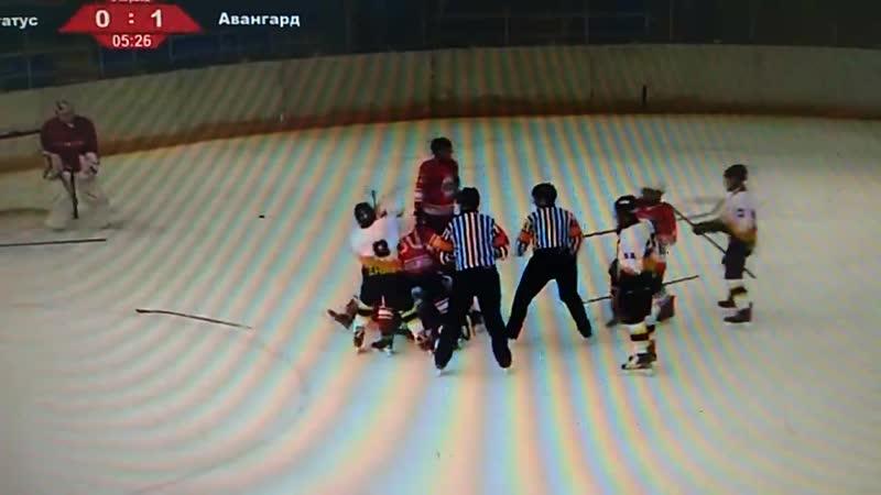 Смоленские хоккеисты подрались с соперниками с Сахалина