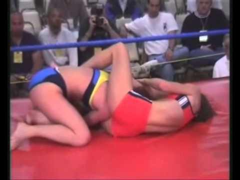 EU73 Edita vs Hana competitive women wrestling