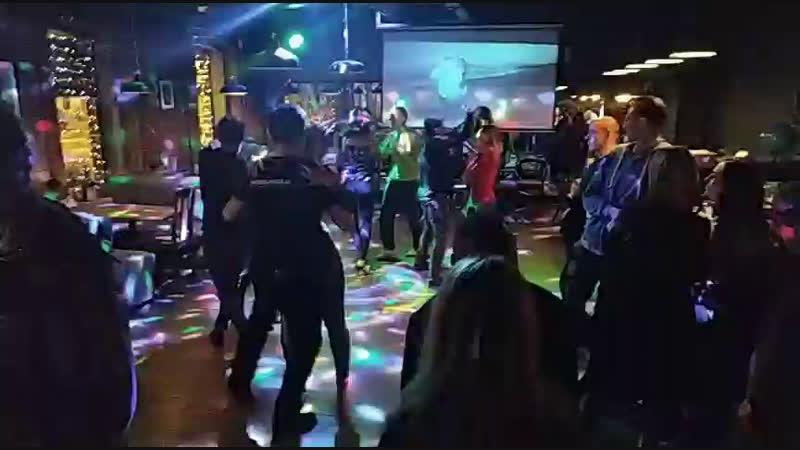 вечеринка на Звенигородской продолжается