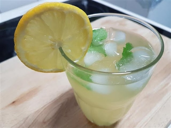 Fresh Lime Lemonade for the Summer Recipe
