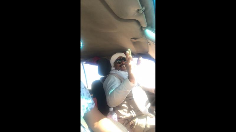 Наш водитель на трассе Дакар