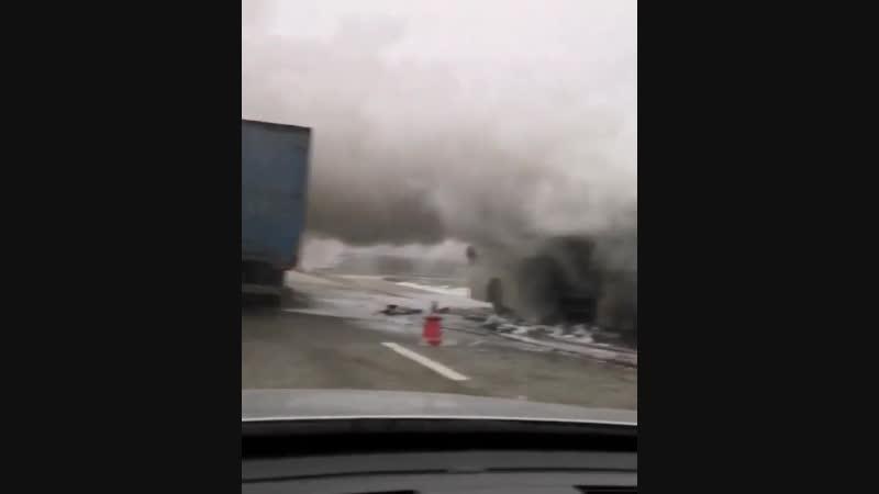 Загорелся автобус перед Мин-Водами, при выезде из Канглов, около г.Кинжал