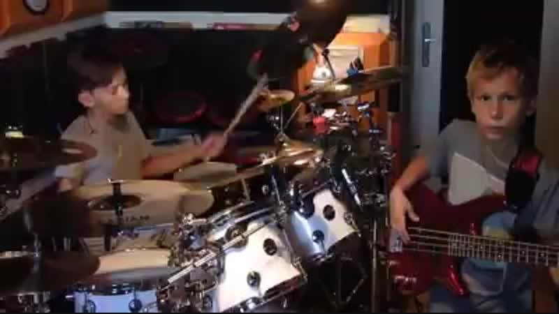 Igor Falecki 12 лет и Kamil Pyrek 11 лет играют композицию Билли Кобема запись сентябрь 2011 г