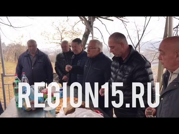 Во Владикавказе совет старейшин фамилии Хугаевых попросил прощение за проступок своего младшего