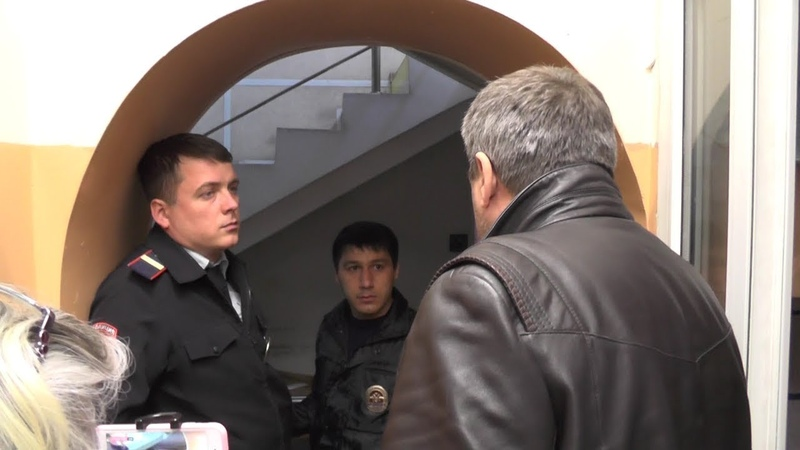Полицейские избили и хотели закрыть по 19.3 КоАП журналиста Андреева. Часть 1. Сочи.