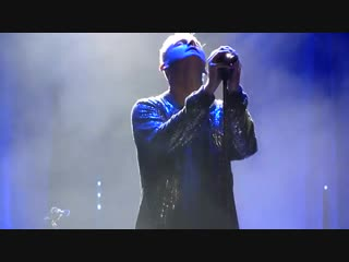 Tom Chaplin covers Queen Who Wants To Live Forever London Palladium
