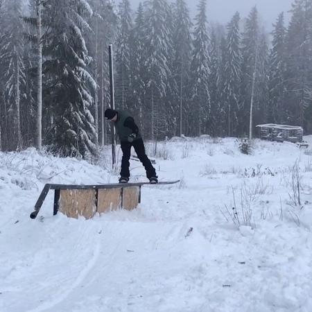 """Tikut Gang Snowboarding on Instagram: """"@aleksikemilainen @roopekoitola at our rail garden 🌲👌🏻 tikutgang realsnowboarding snowboarding"""""""