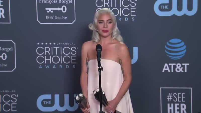 Интервью за кулисами Critics Choice Awards (13.01.2019)