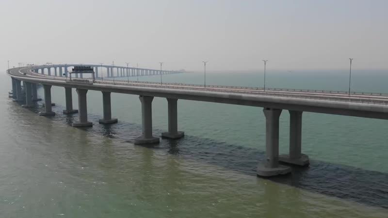 В Китае открыли самый длинный автомобильный мост