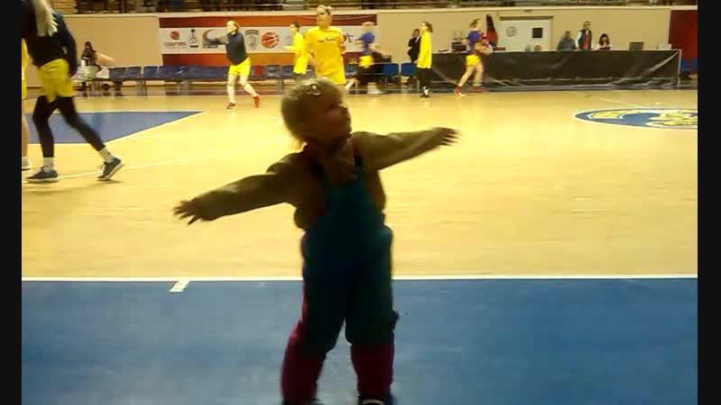 Танцы на Баскетболе