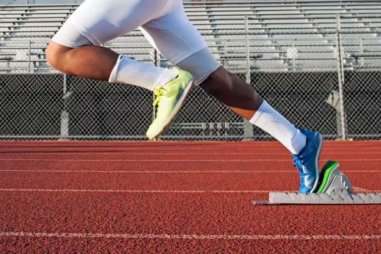 Эритропоэтин применяют как допинг в спорте.