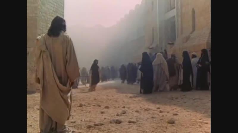 кто из вас без греха первый брось в нее камень