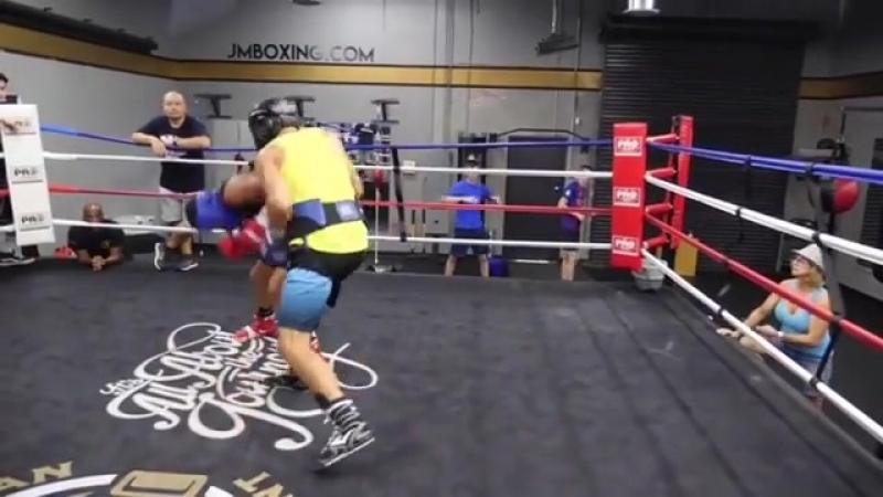 Janibek Alimkhanuly training,sparring