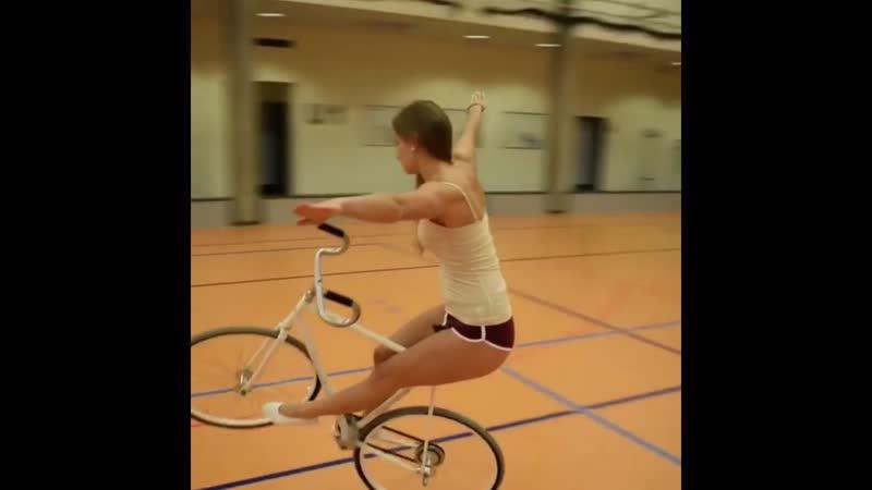 Виола, акробатика на велосипеде