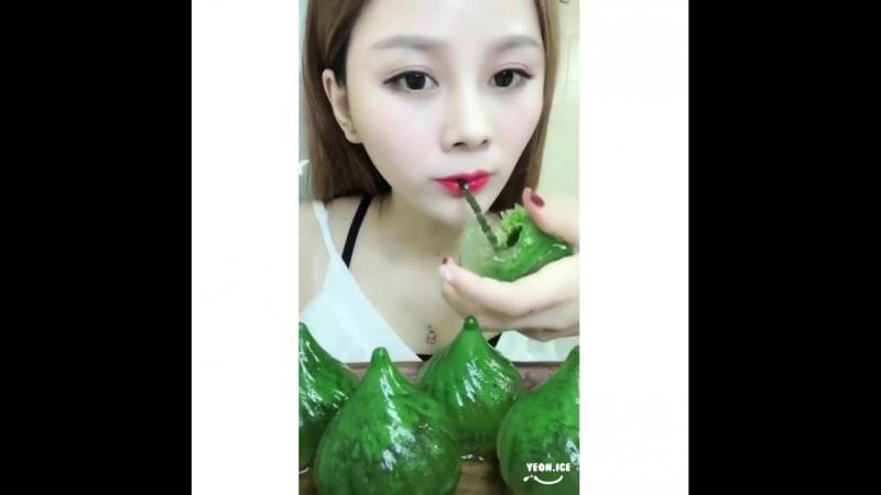 Yeon.iceBouWrVtAxU2.mp4