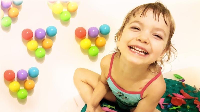 Лопаем шарики. Учим цвета. Learn colors, waterballs. кидаем шарики с водой.