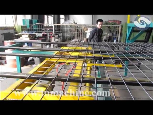 Automatic steel wire mesh welding machine (Factory price)