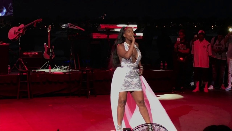 Kash Doll - For Everybody SONG LIVE In Detroit