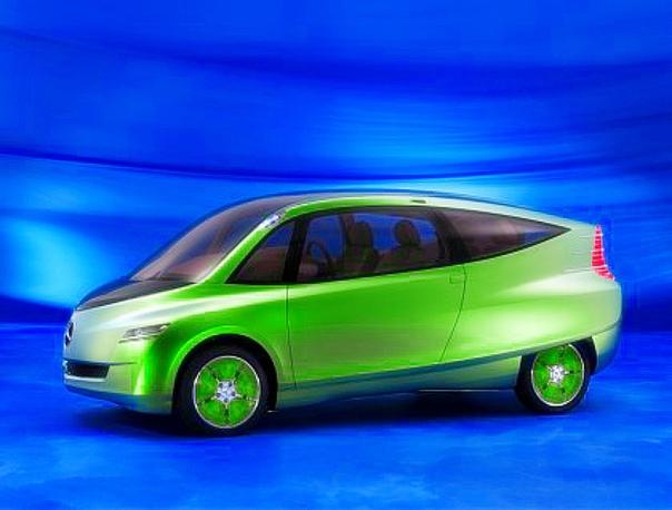 Вехи истории : 2005 Mercedes-Benz Bionic Нет, не позарились швабы на карасей да плотву всякую, а среди рифов коралловых в морях тропических выудили они Ostracion cubicus кузовок-рыбу. Внешне