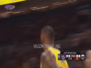LABron James DUNK