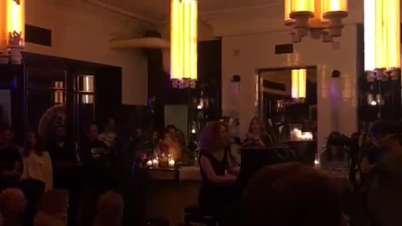 Алина Орлова в Caffe Torino by Martini в Москве
