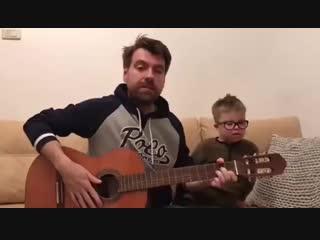 Сын Эвелины Бледанс написал песню для мамы