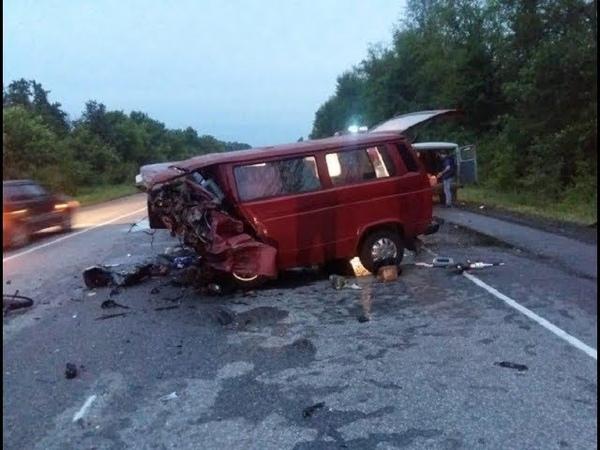 Восемь человек погибли в ДТП под Воронежем