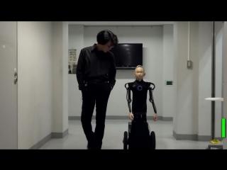 В Осаке инженер создал робота с лицом мальчика