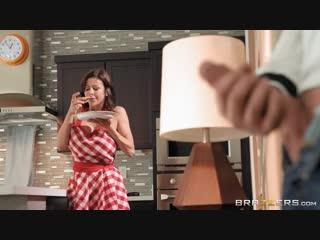 Alexis fawx - mommy nudist [brazzers. fake tits, blowjob, big tits, milf, mom]